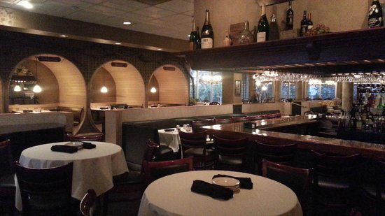 Holiday Inn Cleveland - Mayfield: Dining and bar area   - Holiday Mayfield