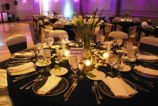 The Wilshire Grand Hotel: Dinner Banquets