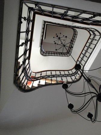 Hotel Arcus: Pas d'ascenceur pour les 2 étages!