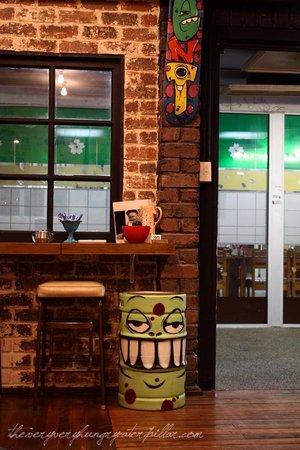Gloria Jeans Coffees East Burwood