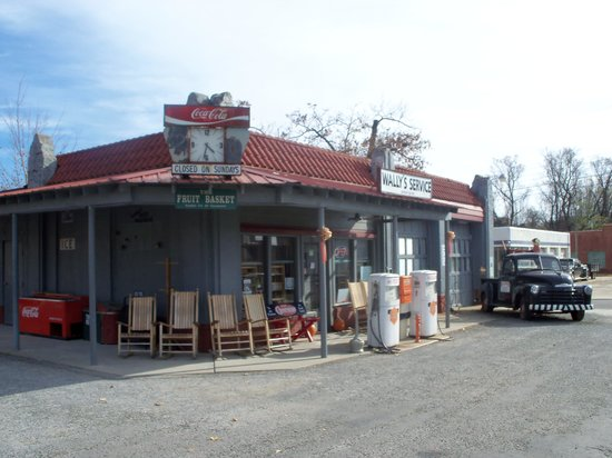Wally's Service Station : Wally's in Mount Airy