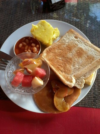 Wailoaloa Beach Resort Fiji : Breakfast... yummy !