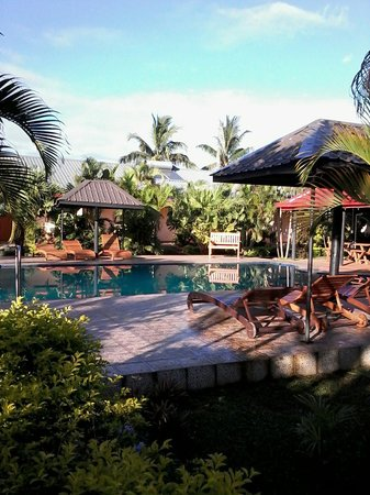 Wailoaloa Beach Resort Fiji : The pool