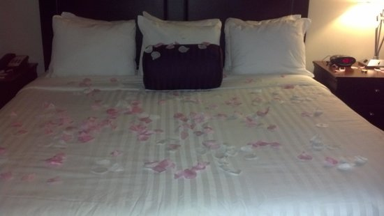 Lamothe House Hotel : King Deluxe Room (with honeymoon touches)