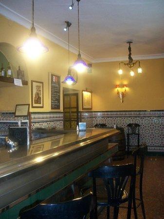 Bar Restaurante La Tulipa: El bar