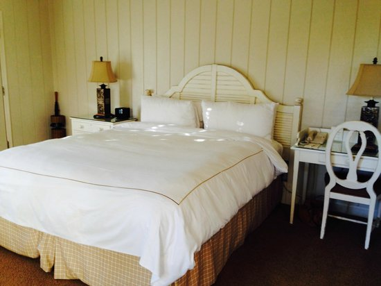 Silverado Resort and Spa : King size bed and pillows were not great