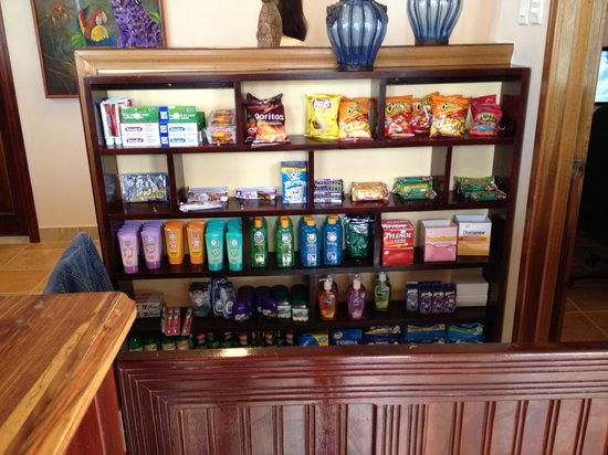 X'tan Ha Resort: at the office you can buy a few things