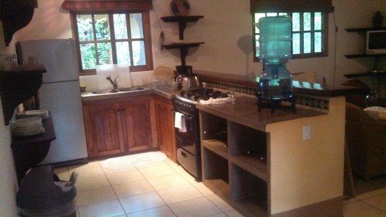 Mango Rosa Nicaragua: Full kitchen