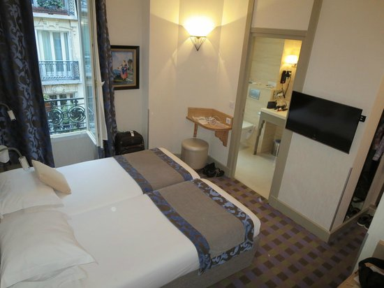 Hotel Residence Foch : Our room