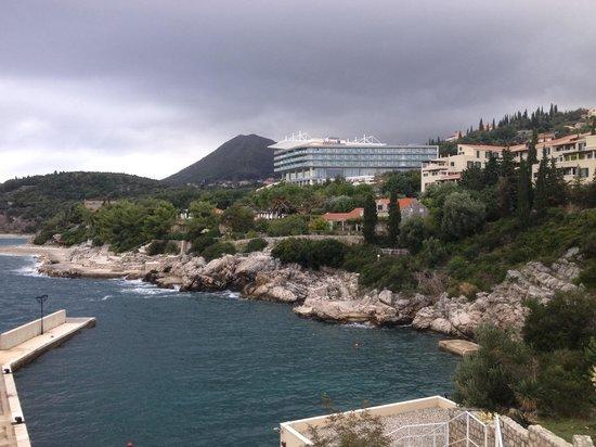 Sun Gardens Dubrovnik: Flott natur,tatt fra brygga