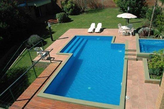 Piscina climatizada picture of hotel costa azul villa for Piscina climatizada