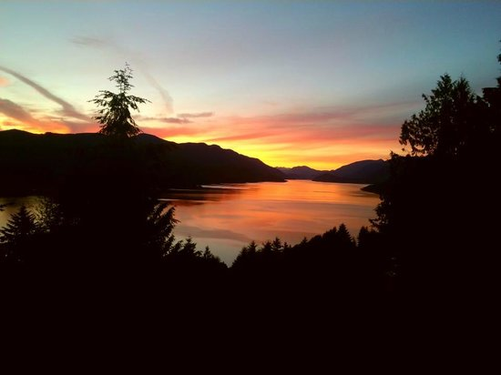 Sechelt Inlet B&B : Glorious sunset