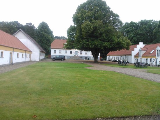 Hotel BramslevGaard : The Hotel