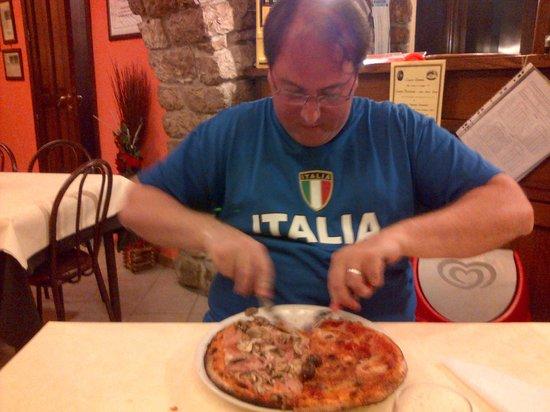 Albergo Ristorante Pizzeria Del Viale: Deliciosas pizzas