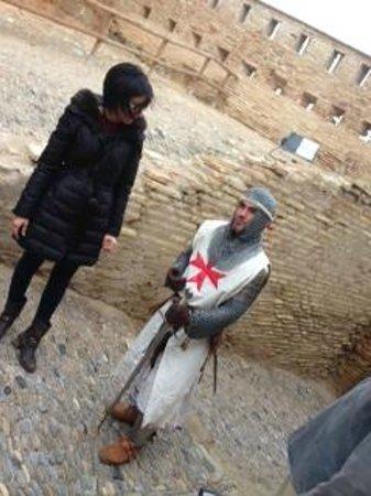 Voluntario de la Asociación Castillo de Monzón un gran anfitrión conoce EL CASTILLO Y SU HISTORI
