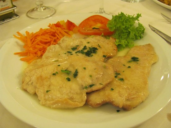 La Grotta: Veal Scallopine with Veg