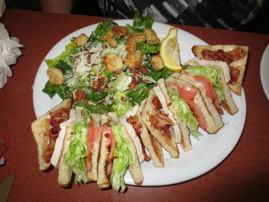 Kempsters: Club House & Caesar Salad