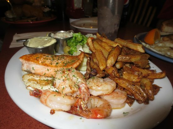 Kempsters: Grilled Fishermans Combo - great value, big portion