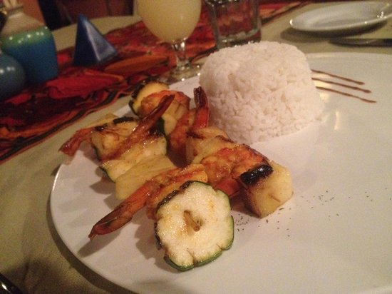 Temple Run Tavern: grilled shrimp with pineapple and rice (that was very good!)
