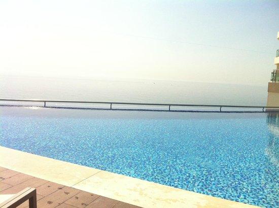 Sesimbra Hotel & Spa: Piscina de horizonte