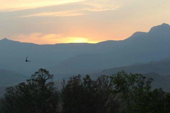 Montusi Mountain Lodge: sunset