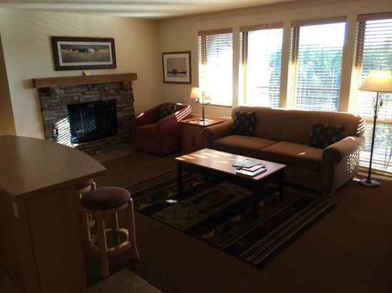 WorldMark Bend - Seventh Mountain Resort: # 533 such a sunny and warm condo