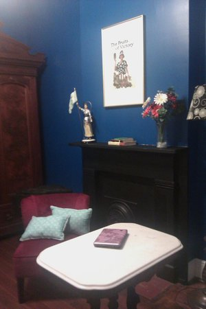 La Belle Esplanade : LOVE the blue walls in the sitting area of the French room