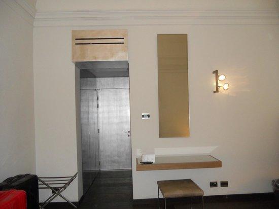 Hotel Romano House: Ingresso camera