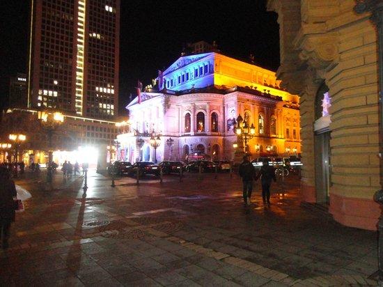 Oper Frankfurt: Opera de Frankfurt