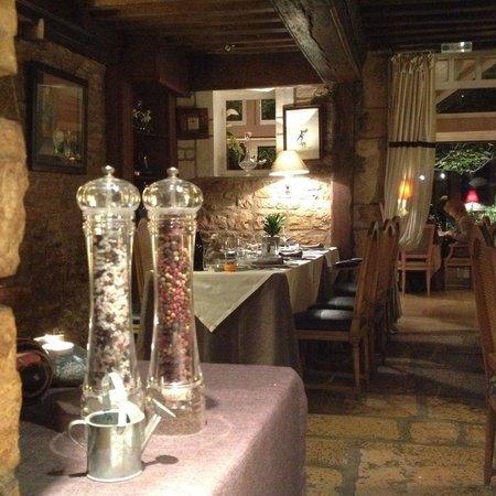 Moulin d'Hauterive : détail de la salle à manger