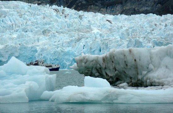 Spitsbergen Hotel: Le Polaris dans les glaces