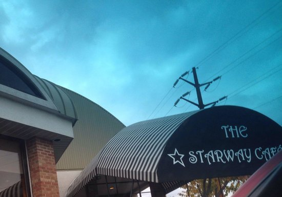 Starway Cafe: Close to the Thruway.