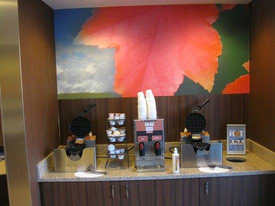 Fairfield Inn & Suites Yakima : Waffle maker