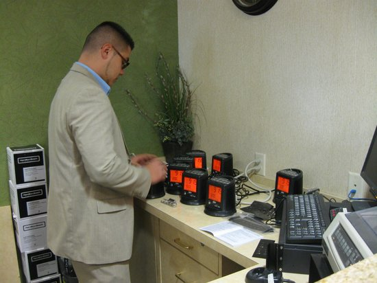 Fairfield Inn & Suites Yakima : New MP3 alarm clock radios
