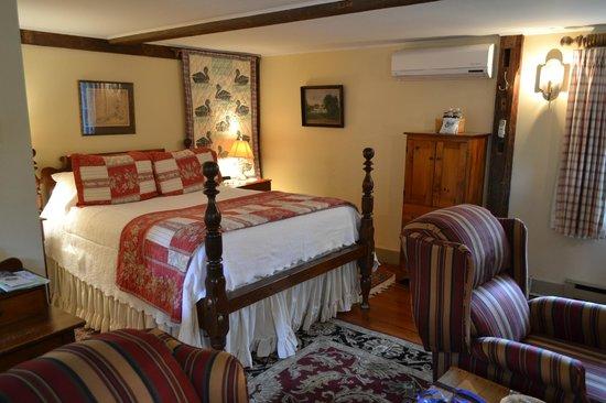 Captain's House Inn: Whirlwind Room