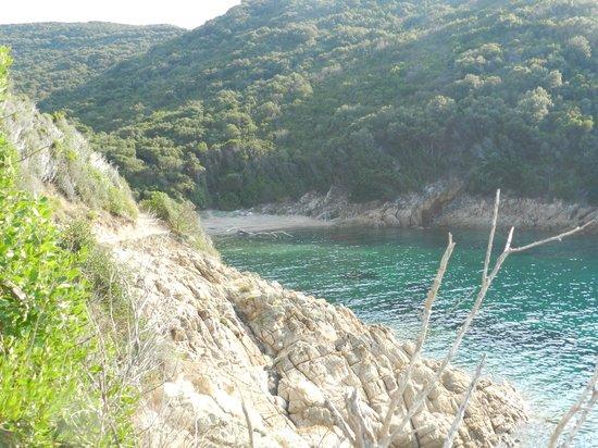 Spiaggia della Biodola : ...la spiaggetta accanto...