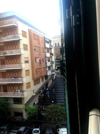 PapavistaRelais: Vatican steps-view from room