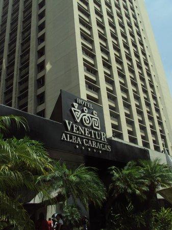 Hotel Venetur Alba Caracas : la fachada del hotel