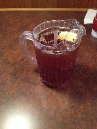 Red Hot & Blue Arlington: Generous beverages
