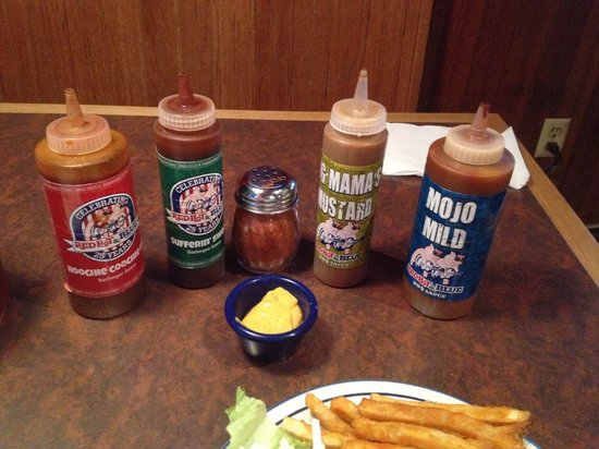 Red Hot & Blue Arlington: Condiment Choices