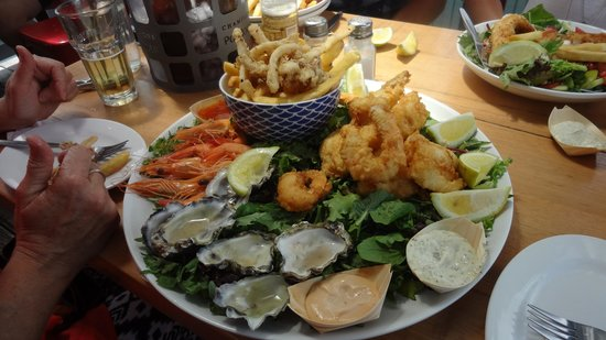 Woy Woy Fishermen's Wharf: Magnificent seafood platter for two