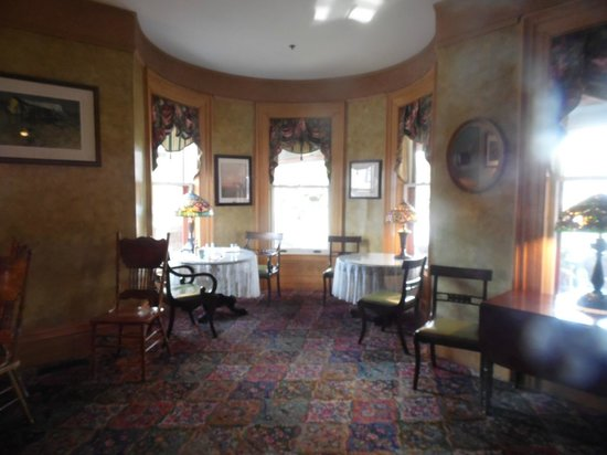 Union Gables Mansion Inn: Breakfast room