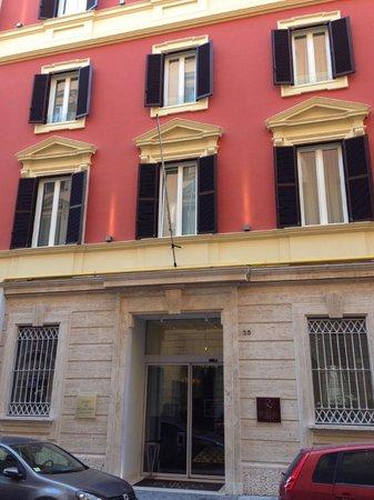 Hotel dei Borgia: View from the street