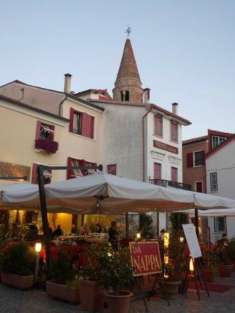 la terrazza esterna del ristorante da Nappa