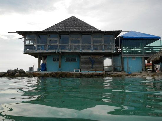 Avila Beach Hotel: view of the restaurant taken from the sea