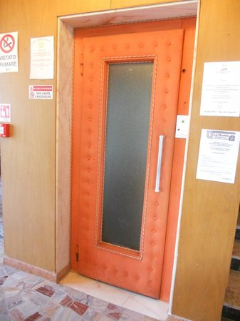 Hotel Spiaggia Marconi: Il fantastico ascensore!