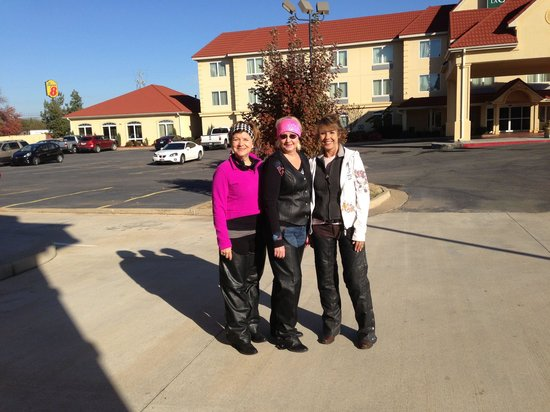 Days Inn & Suites Russellville: Fall Folliage tour great place for riders to stay