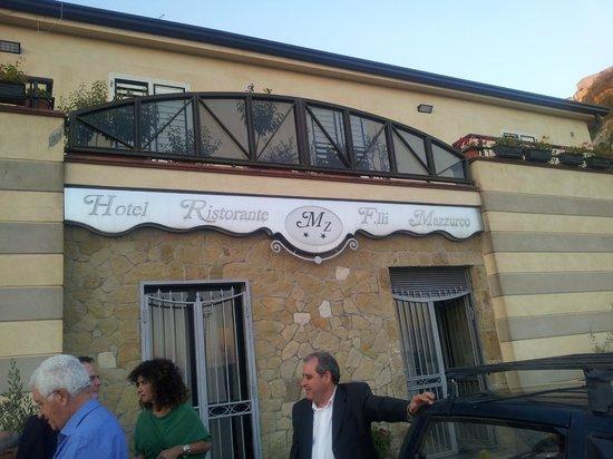 Hotel Mazzurco: L'ingresso