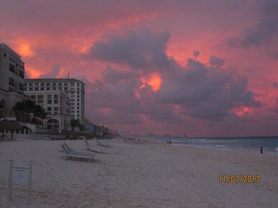 Paradisus Cancun: Sunset