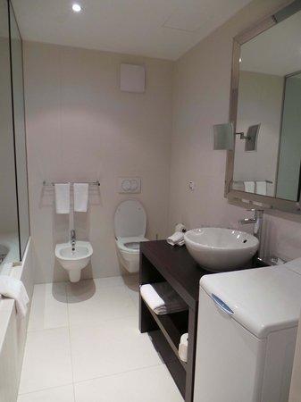 Boscolo Residence: The bathroom